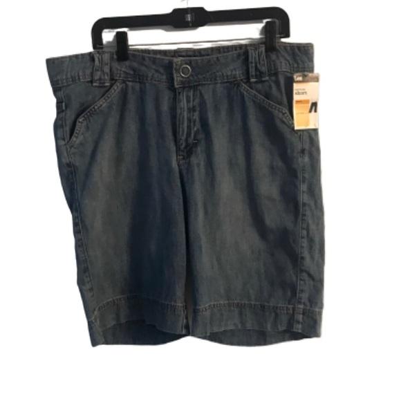 Lee Pants - Lee Women's Bermuda Close-Fit Shorts